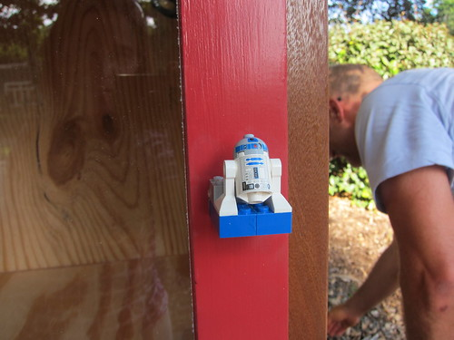 R2 the door handle