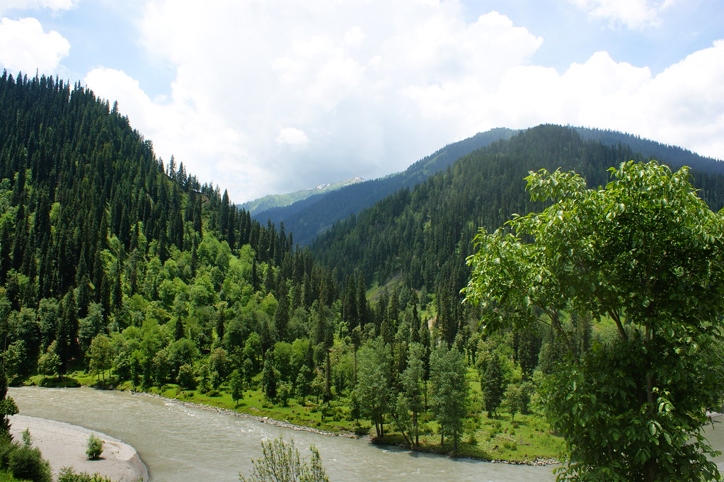 """MJC Summer 2012 Excursion to Neelum Valley with the great """"LIBRA"""" and Co - 7608901788 a227f9851b b"""
