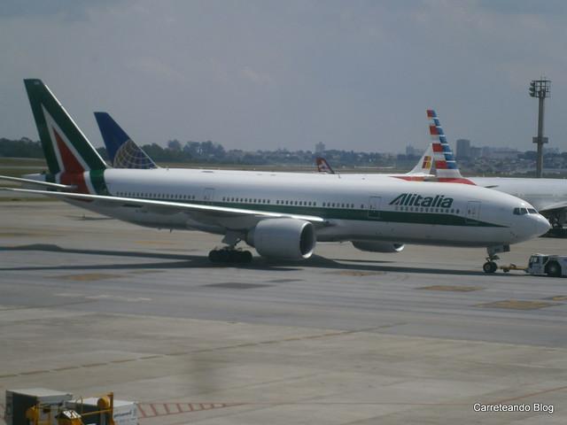 Boeing 777-200 de Alitalia EI-DBM