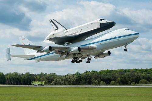 Shuttle Enterprise Flight To New York (201204270019HQ)