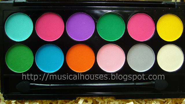 sleek ultra matte brights palette close