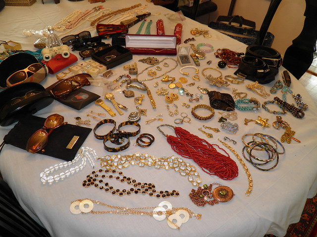Roslyn Heights Tag Sale 020