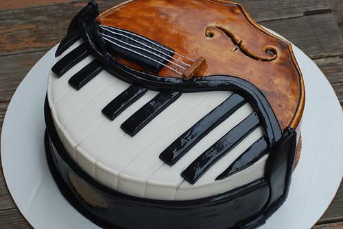 Piano Cello Cake