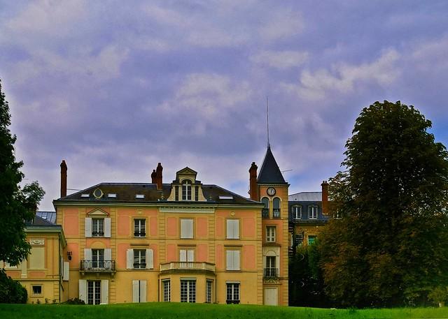 Evry Daily Photo - Maison Ste Genevieve