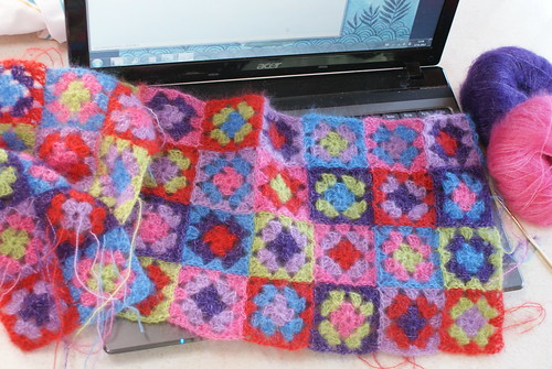 blogging and crochet grannies