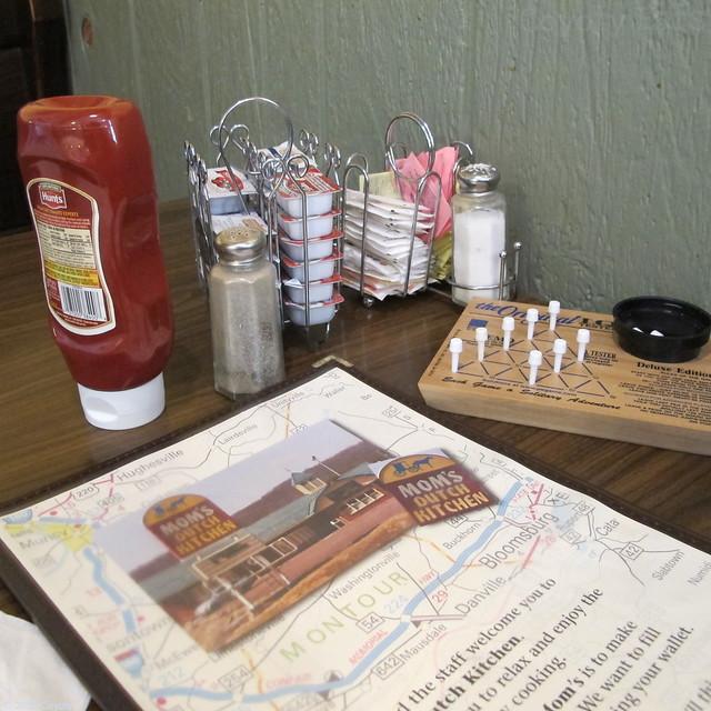 Mom's Dutch Kitchen booth