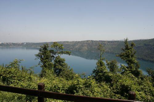 Panorama vista lago dall'Hotel Miralago Ristorante Donna Vittoria ad Albano Laziale