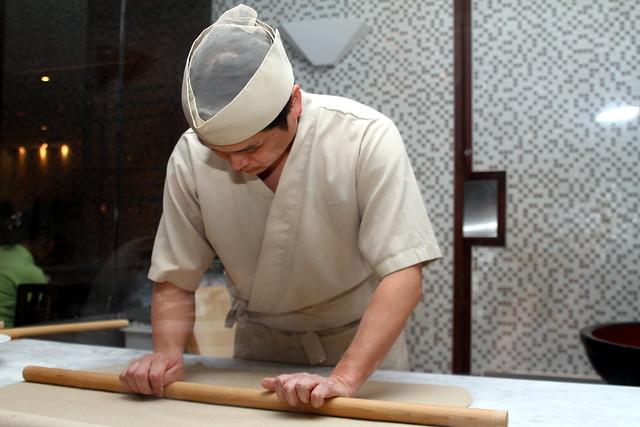 Shimbashi Soba: Chef preparing