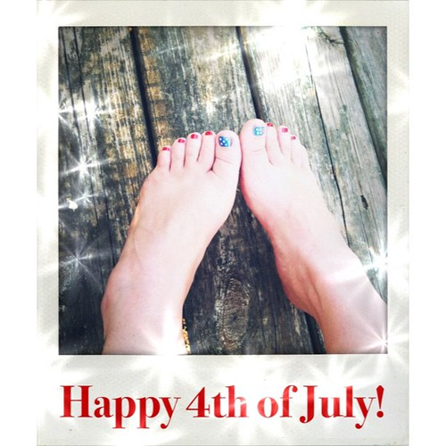Have a safe an happy 4th! These toes are gonna be poolside today! #seethe4th