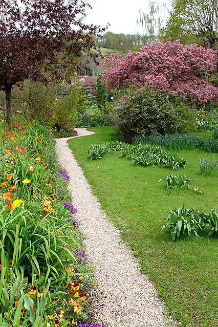 Meandering path through the gardens at Maison et Jardins de Monet, Giverny