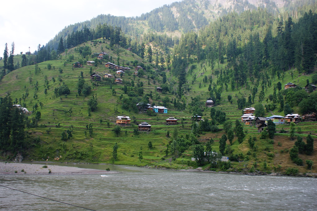 """MJC Summer 2012 Excursion to Neelum Valley with the great """"LIBRA"""" and Co - 7588297582 1d7292c9c8 b"""
