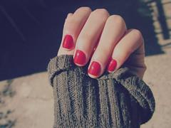 Uñas rojas. por ᴿᵘᵗᵃ ₂₀