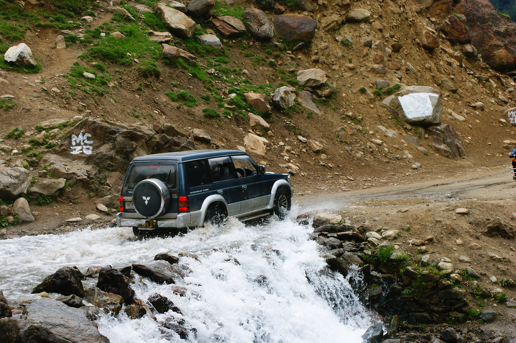 """MJC Summer 2012 Excursion to Neelum Valley with the great """"LIBRA"""" and Co - 7589200484 7b267c2253 b"""