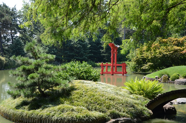 The iconic torii in BBG's Japanese Hill-and-Pond Garden. Photo by Jean-Marc Grambert.