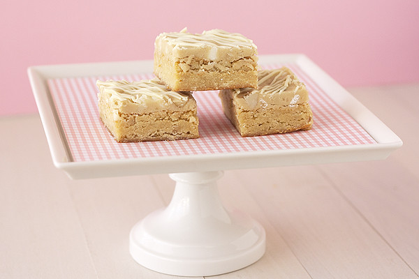 White Chocolate-Macadamia Nut Cookie Dough Blondies