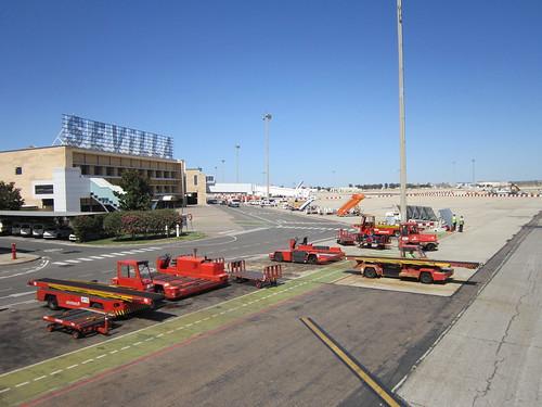 セビーリャの飛行場 2012.6.6 by Poran111