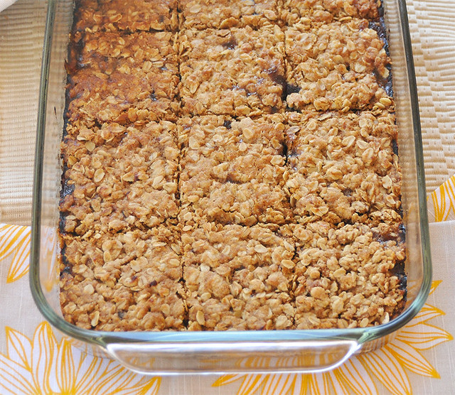Oatmeal-Strawberry Squares