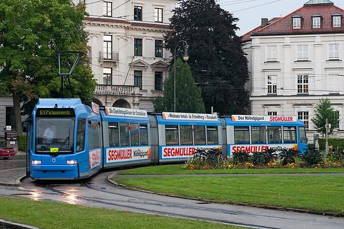 Auer-Dult-Verstärker 2204 gönnt sich am Karolinenplatz eine kurze Pause