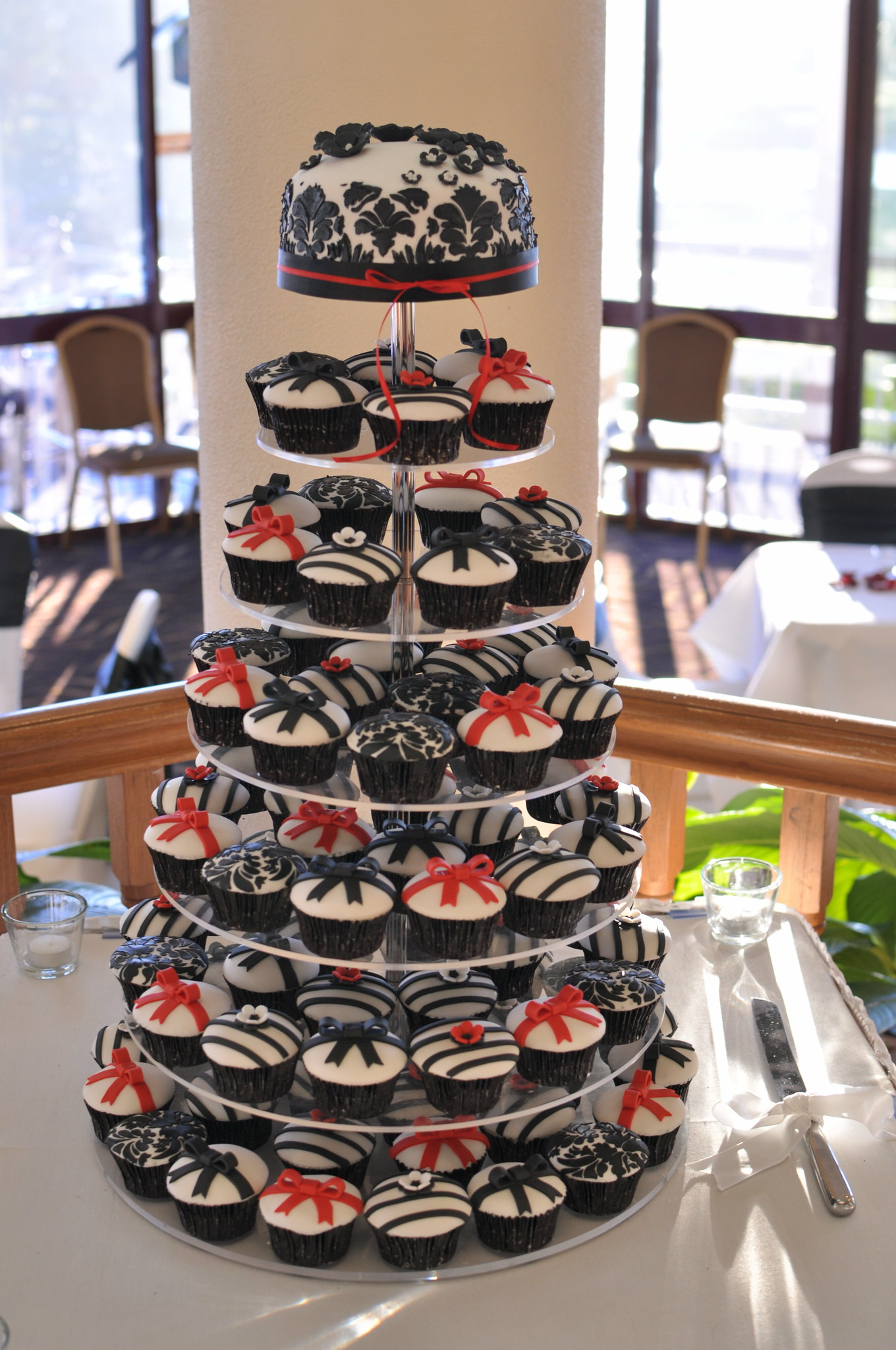 Red black and white wedding cupcakes