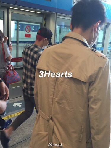 Big Bang - Beijing Airport - 07jun2015 - suckmy - 03