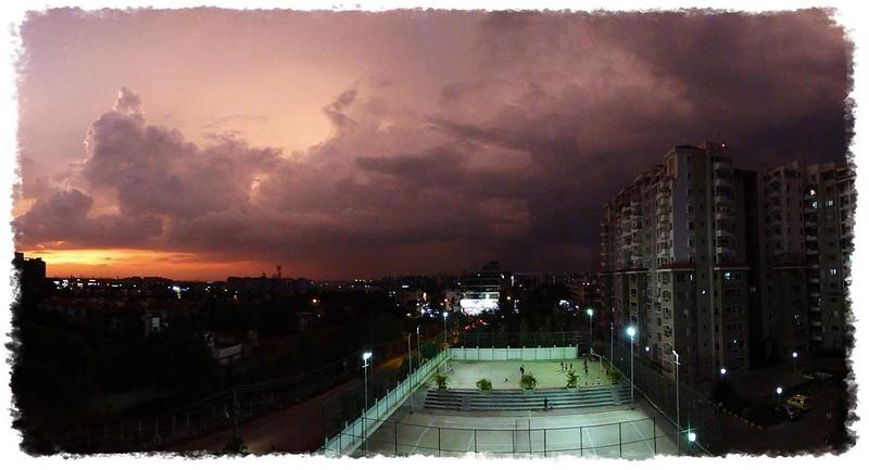 Urban exuberance in an Indian monsoon