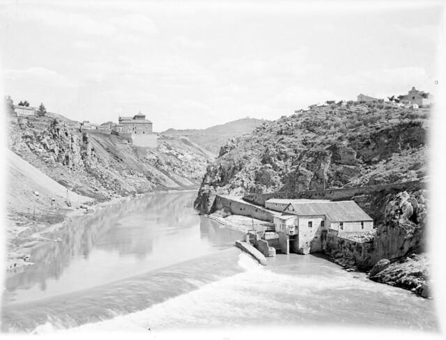 Vista del Tajo desde el Puente de San Martín en los años 20. Detalle de una Fotografía de Otto Wünderlich. © Fototeca del Patrimonio Histórico