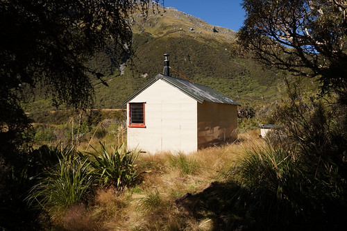 top toaroha hut