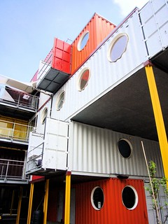 Container City I, London (by: Claire Sambrook, creative commons license)