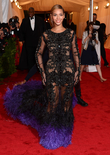 Beyonce+Knowles+NY+Schiaparelli+Prada+Impossible+8LnztKDeqAWl