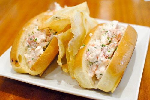 "maine lobster rolls 1/2 pound lobster ""new england style"""