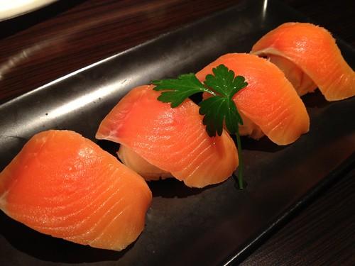 サーモンとクリームチーズの寿司仕立て@ごだいご 新宿武蔵野ビル店