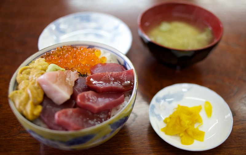 青森2012 海鮮丼 めちゃんこうまかった