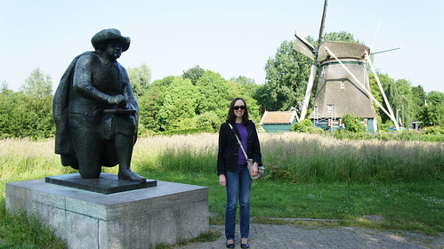 De Ronde Hoep: statue of Rembrandt