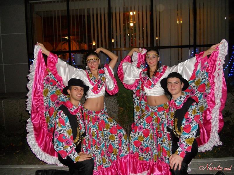 """Танцоры """"IZVORAŞ"""" / Свадебный танец! > Фото из галереи `О компании`"""