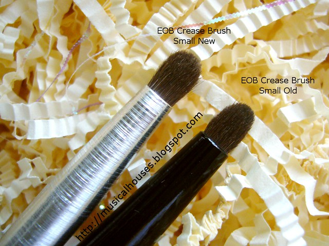 essence of beauty crease brush duo small comparison