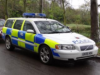 Surrey Police - Volvo V70 Armed Responce Vehicle ( GX05 HOA )