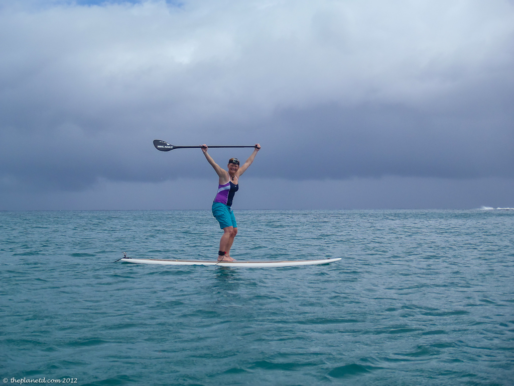 travel blogger deb paddle boards in Hawaii