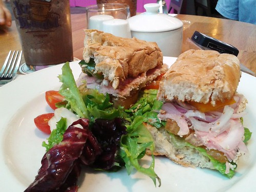marinated grilled yellowfin tuna sandwich @ coffee beanstro