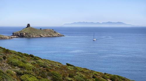 La mer et l'horizon en  Corse