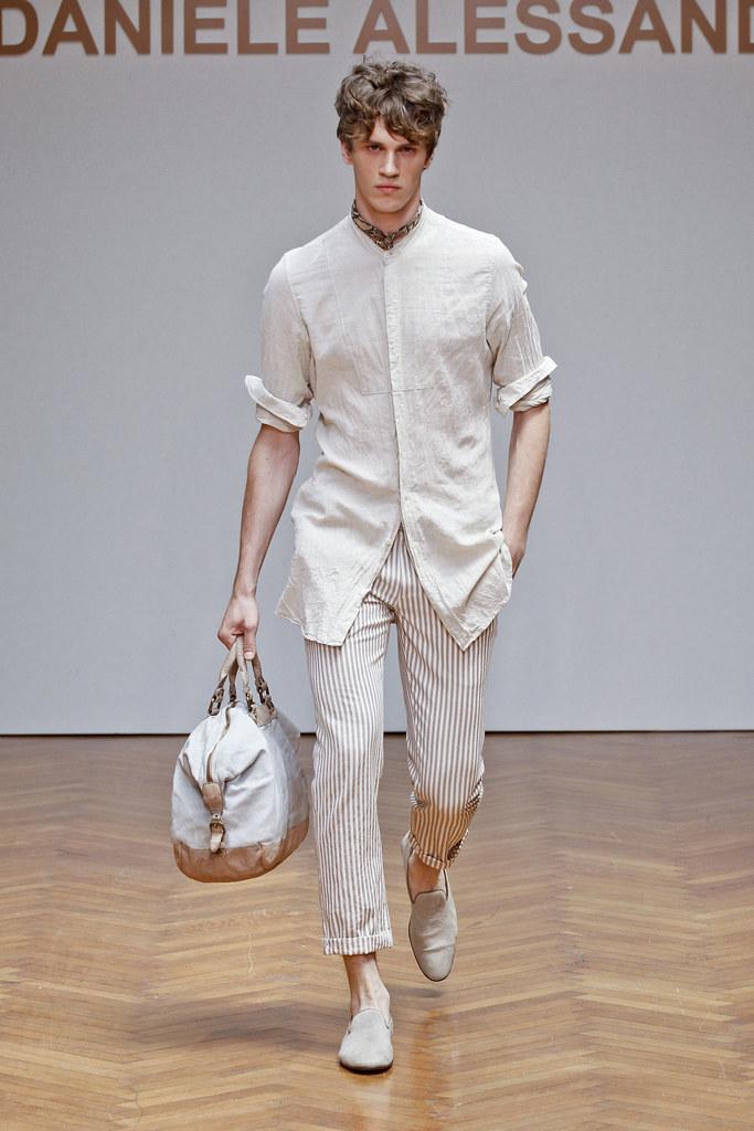 SS13 Milan Daniele Alessandrini014(fashionising.com)