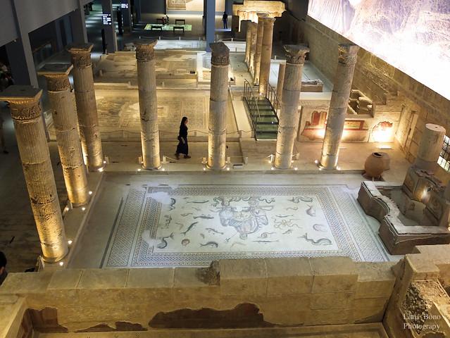 Mosaic i columnes romanes al museu de Gaziantep