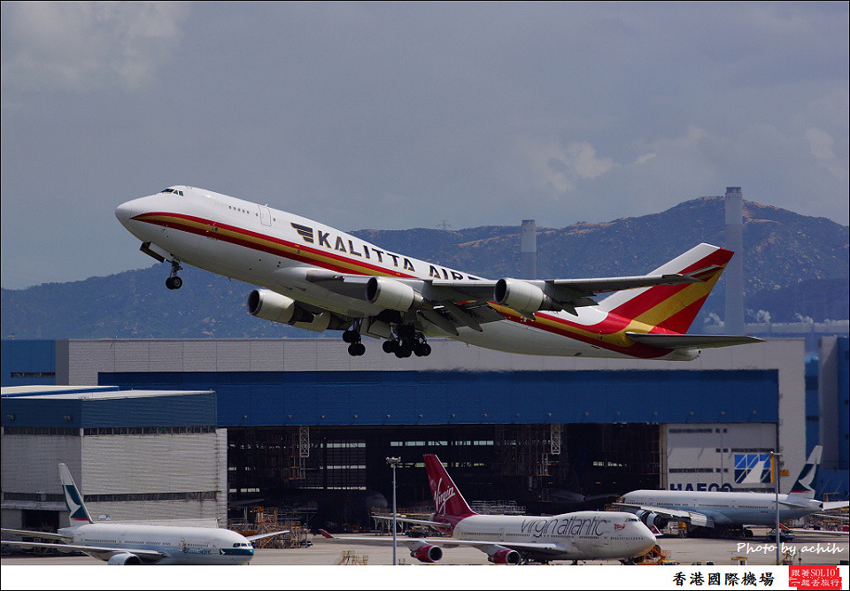 Kalitta Air / N744CK / Hong Kong International Airport