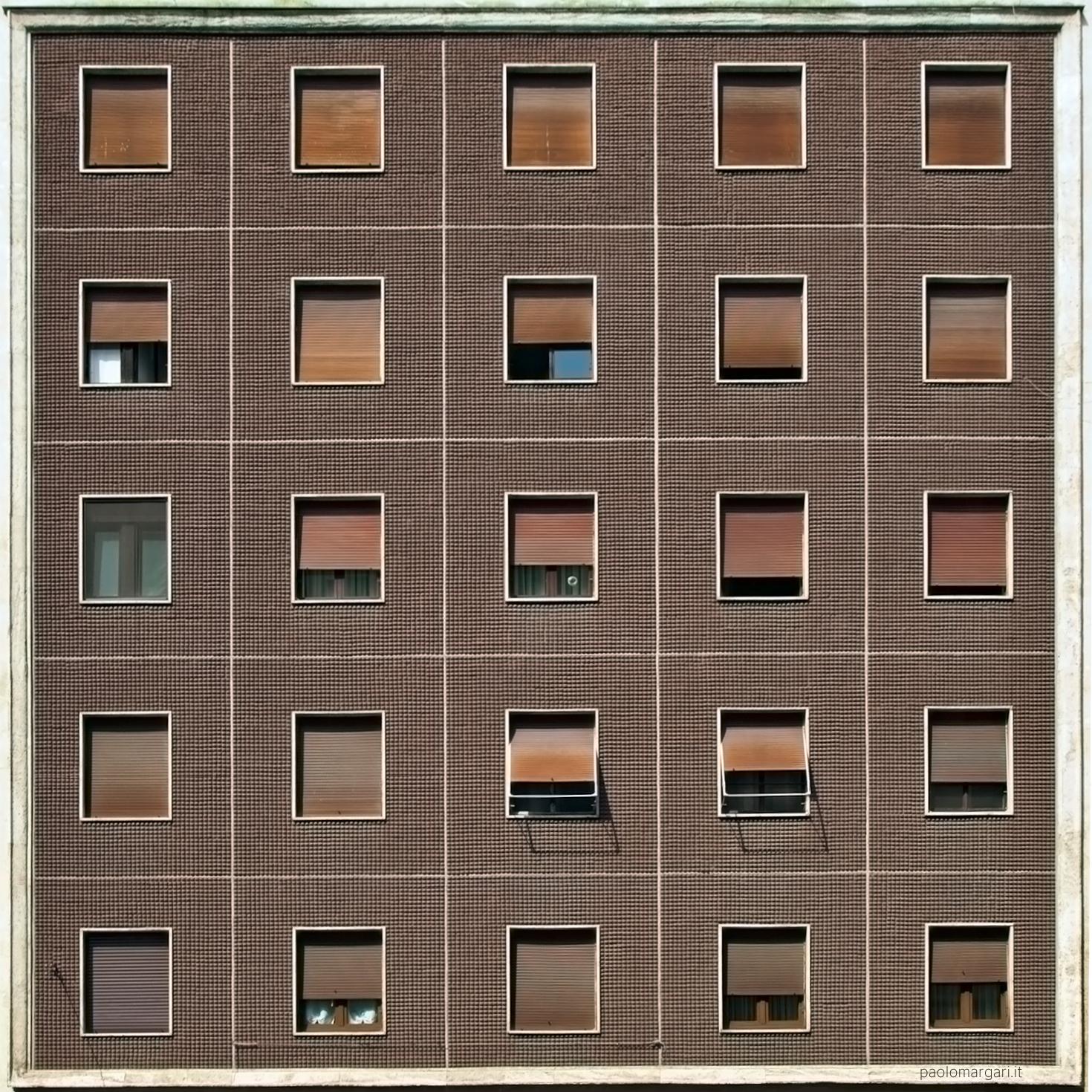 Urban cages in Milan - Milano, Italia