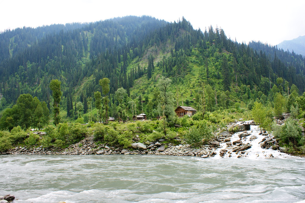"""MJC Summer 2012 Excursion to Neelum Valley with the great """"LIBRA"""" and Co - 7595589700 b02df20e45 b"""