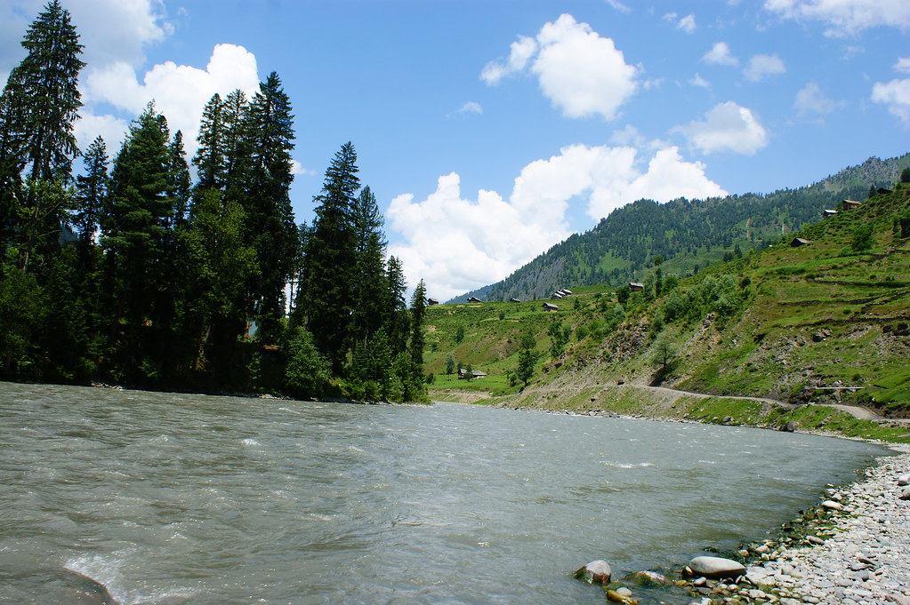 """MJC Summer 2012 Excursion to Neelum Valley with the great """"LIBRA"""" and Co - 7608660204 f261134da3 b"""