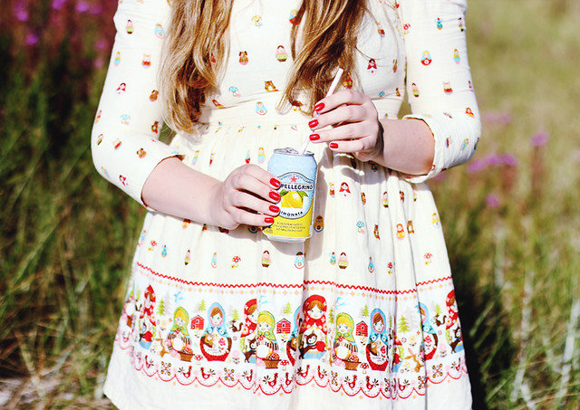 S.Pellegrino Limonade Matrjoschka Kleid sharp
