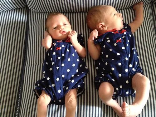 Zoe & Grace: One Week Old