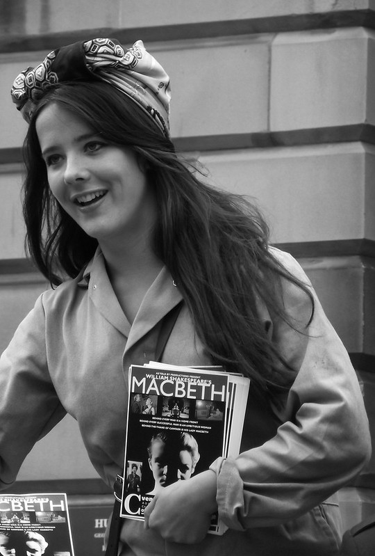 Edinburgh Fringe on the Mile 2012 04