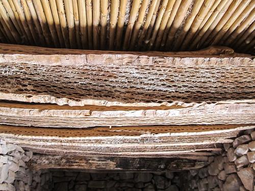 Tilcara: toit en bois de cactus