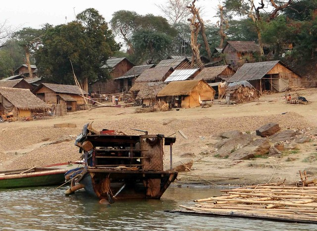 Homes along Ayeyarwaddy River
